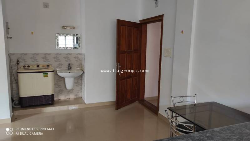 1BHK FULLY FURNISHED APARTMENT FOR RENT AT KAKKANAD {611}