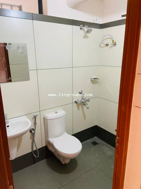 FULLY FURNISHED STUDIO APARTMENT FOR RENT AT KAKKANAD {618}